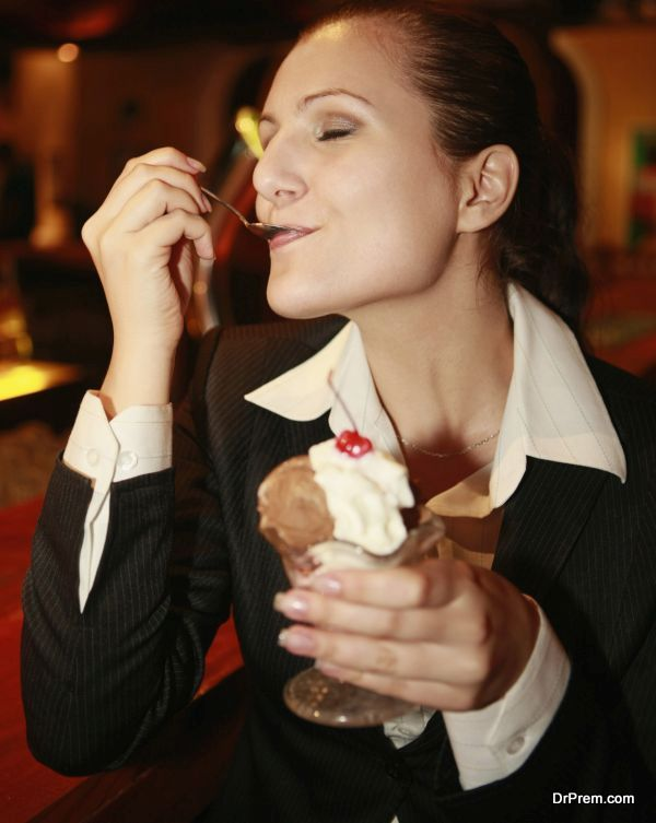 serving the best ice cream (3)