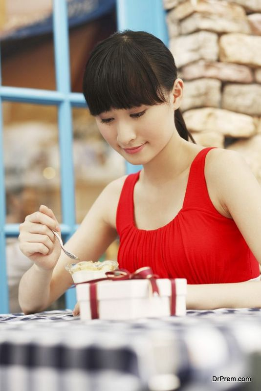 serving the best ice cream (4)